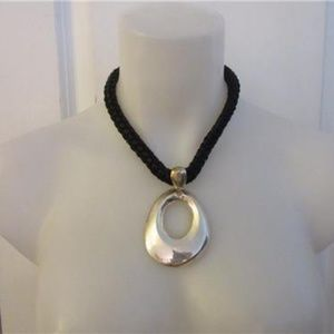 CHICO'S BLACK PATENT LEATHER ROPE SILVER NECKLACE